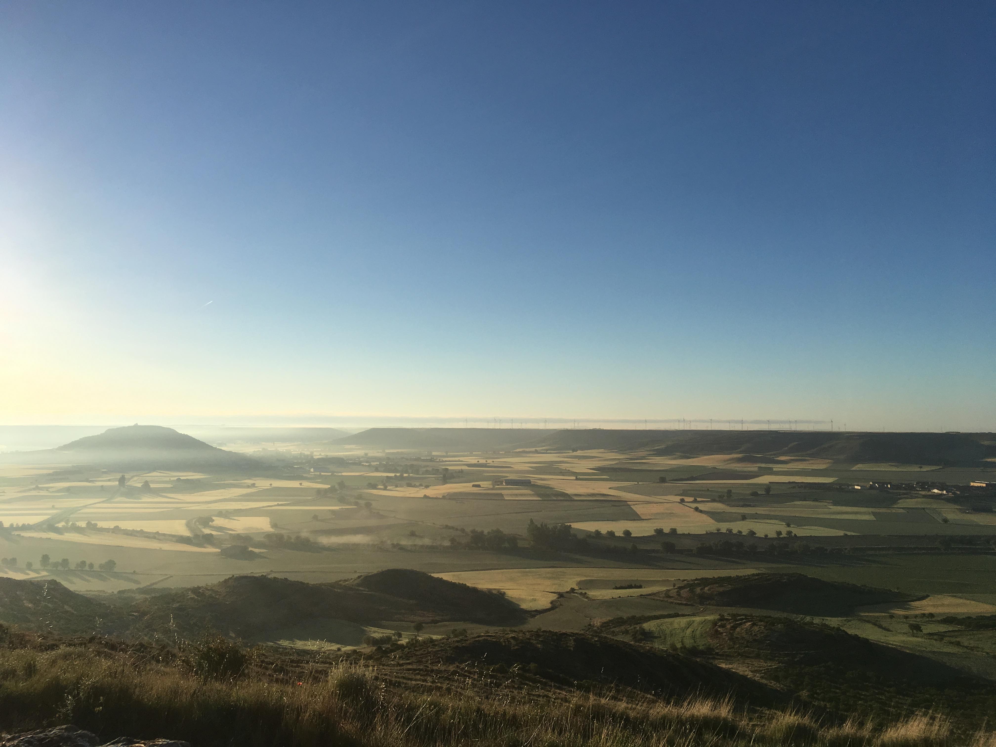Blick vom Alto de Mostelares nach Castrojeriz